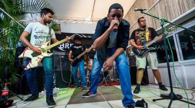 aMakARtUS: humble roars from Mauritius